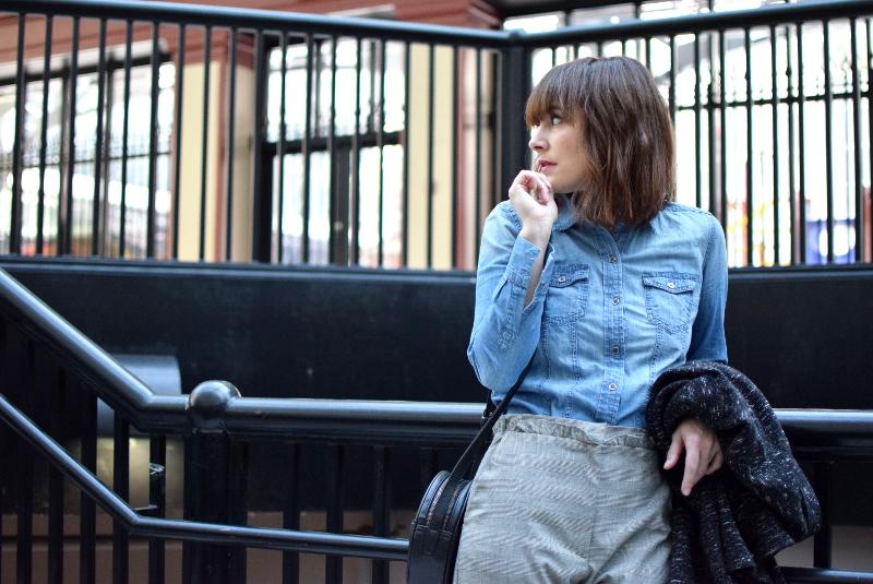 ruedelindustrie_pantalon gris_chemise_jean_ensemble7